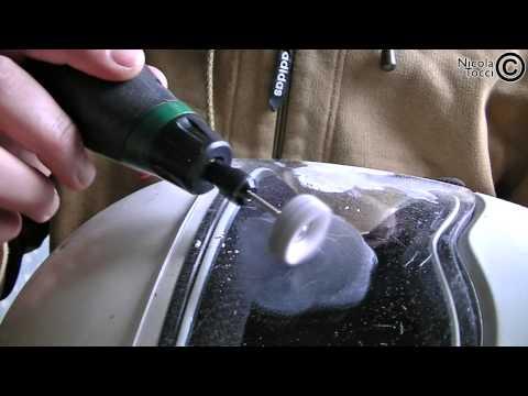 rimuovere i graffi dalla visiera del casco