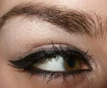 Rihanna & Angelina Jolie cat eyeliner eye make up