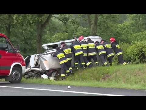 tragiczny-wypadek-bmw-i-renault-dwie-osoby-zginely-jeden-z-kierowcow-uciekl