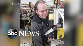 Dimondale (MI) United States  city photos gallery : Singing Cashier Serenades Customers