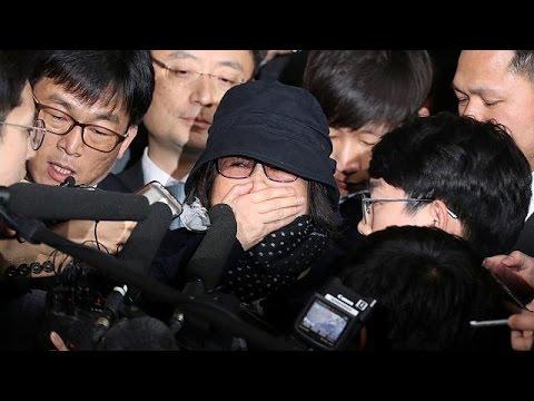Νότια Κορέα: H αντιπολίτευση ζητάει την παραίτηση της προέδρου λόγω εμπλοκής της σε σκάνδαλο – world