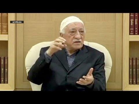 Turquie : un mandat d'arrêt contre Fethullah Gülen, accusé de vouloir faire tomber l'Etat