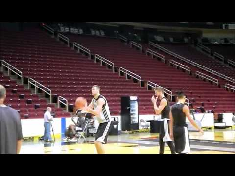 Jeremy Lin in three-point shooting drills - Day 4 Training Camp