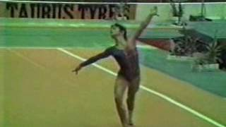 Short video of the 1985-1988 women's compulsory demonstration at the 1983 world champs. Kathy Johnson, Valentina Shkoda, and ROM girl on UB.