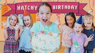 Video Toy Hotel Celebrates Addy's Hatchimals Filled Birthday !!! MP3, 3GP, MP4, WEBM, AVI, FLV Juni 2018