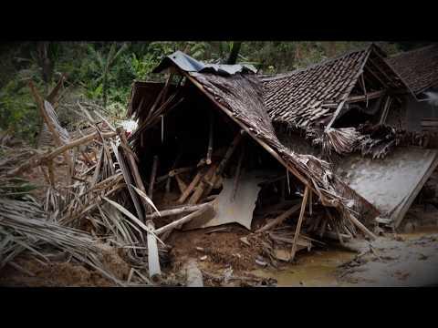 Banjir dan longsor kampung Rancanangka, Desa Cileuksa, Bogor