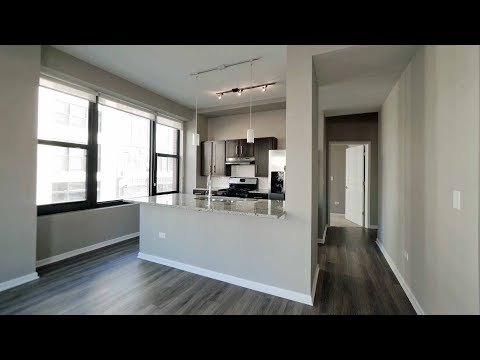 A bright South Loop 2-bedroom, 2-bath at The Shelby