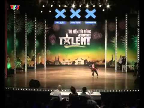 Cậu bé nhảy micher jackson khiến ban giám khảo đứng hình