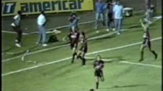 O Vitória de Arthurzinho e Zé Roberto vencem as estrelas do Palmeiras da era Parmalat no ex Estádio da Fonte Nova em jogo...