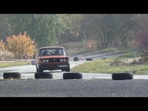 Latający Fiat 125p na SMT 2013
