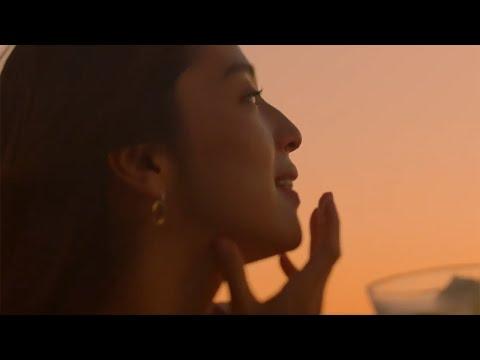 中村アン、ミスチルの新曲「others」で過ごす上質な時間 夕暮れのビーチで一杯 「麒麟特製ストロング」新CMが公開