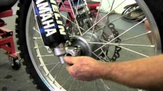 9. The correct way to tighten your dirtbike's front wheel