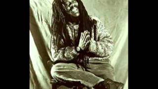 Dennis brown-Another day in paradise - YouTube