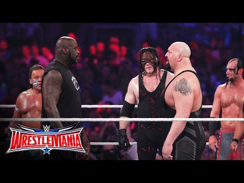 美國職業摔角大混戰中忽然出現了NBA巨星俠客·歐尼爾,當他一上擂台,場上所有巨漢怎麼好像都縮小了...
