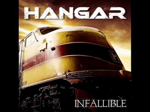 Tekst piosenki Hangar - 39' po polsku