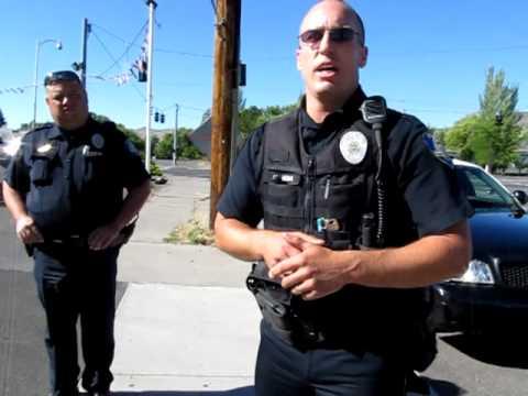 Klamath Falls Police, Open Carry a MP5 and a Handgun.