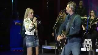 Blake Shelton & Gwen Stefani -- ''Go Ahead And Break My Heart'', September 30, 2017