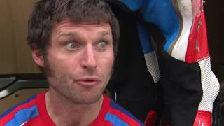Subscribe to our channel: http://bit.ly/2kKTBIM During the Isle of Man TT 2017, RST Superbike race, Honda Racing's Guy Martin...
