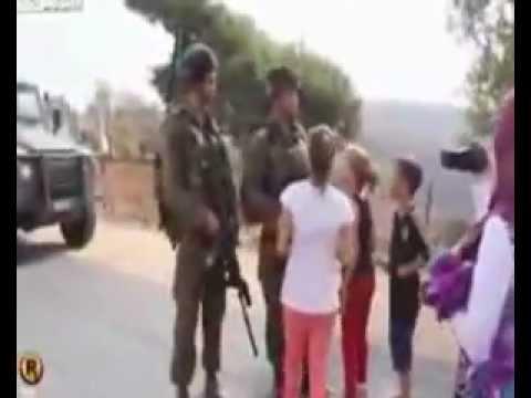 Video israil askerlerine kafa tutan cesur kız download in MP3, 3GP, MP4, WEBM, AVI, FLV January 2017
