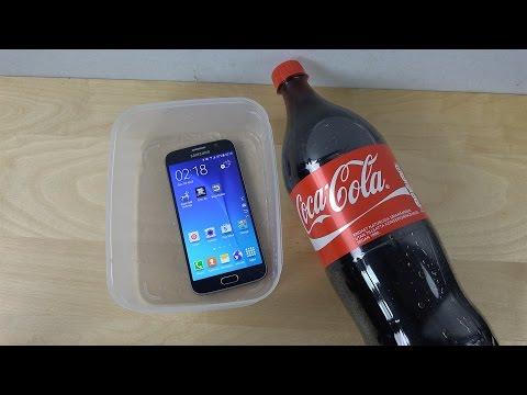 這個人把Samsung S6浸在可樂2分鐘,我想我可能要把iPhone換掉了...