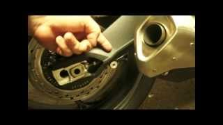 8. 2013 Triumph Street Triple - Unboxing OEM Acessories - Rear Paddock Spools and Stand