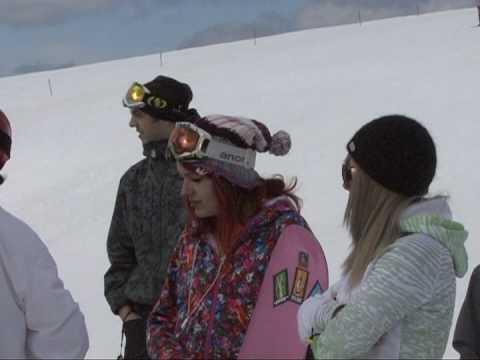 Snowboard si distractie in valea dorului