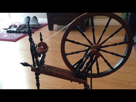 Ridiculously Tiny Spinning Wheel Actually Works