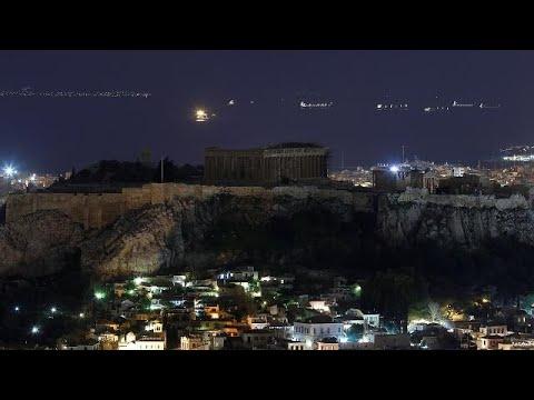 Ο πλανήτης έσβησε τα φώτα (ΒΙΝΤΕΟ και ΦΩΤΟ)