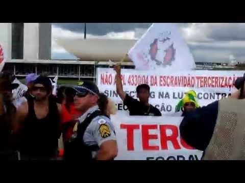 TRABALHADORES SÃO RECEBIDOS COM VIOLÊNCIA NO CONGRESSO