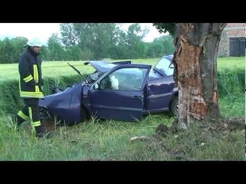 Bergheim: Fahranfänger im Auto eingeklemmt
