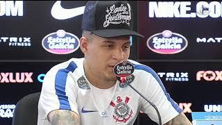 O lateral comenta sobre os memes relacionados à sua atuação no clássico contra o Palmeiras, destaca o vínculo com elenco corintiano e elogia o companheiro Moisés.