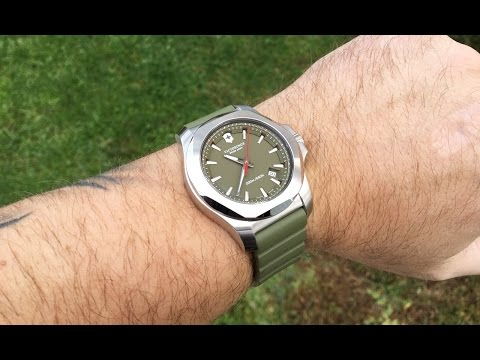 , title : 'Watch Review | Victorinox Swiss Army INOX'
