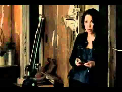 The Secret Circle Season 1 Episode 1 Pilot - Faye tell Cassie 'Your a Witch'