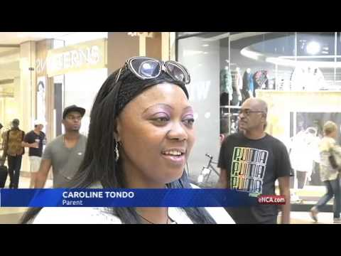 Flashmob gives shoppers a dose of epileptic reality