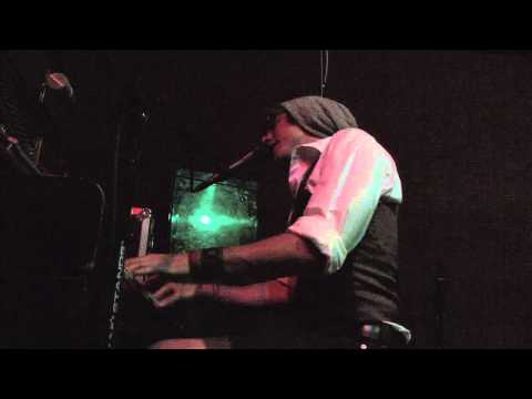 Robbie Fitzsimmons, Live @ Hotel Utah, 'Onset'