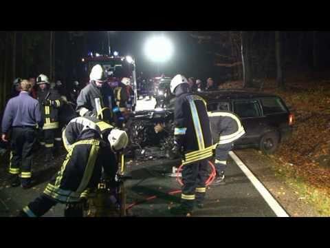 Frontalzusammenstoß, zwei Verletzte