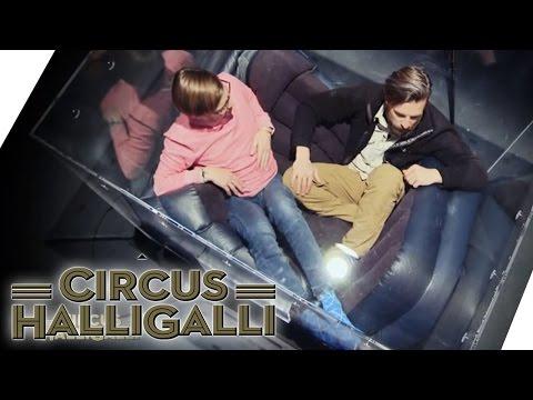 Circus HalliGalli Aushalten: In der Kiste (Teil 1) | ProSieben