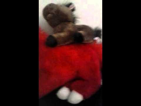 My stuffed horse pile💚