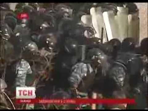 #Євромайдан 18.02.2014 Мариинский парк массовая драка (видео)