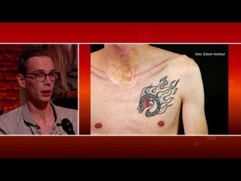 Het ontroerende verhaal achter een Feyenoord-tatto - RTL LATE NIGHT MET TWAN HUYS