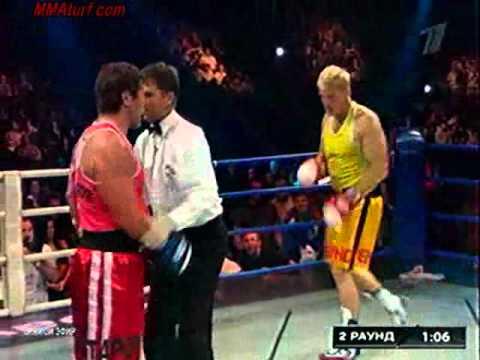 Dolph Lundgren VS Oleg Taktarov ( Real Boxing Match complete )