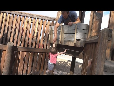 Video Baby Parkour at Discovery Park download in MP3, 3GP, MP4, WEBM, AVI, FLV January 2017