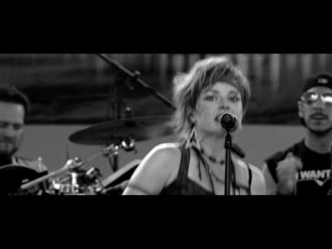 The Deloreans 80's Band Performing Devo 'Whip It' Virginia Beach, VA (Live)