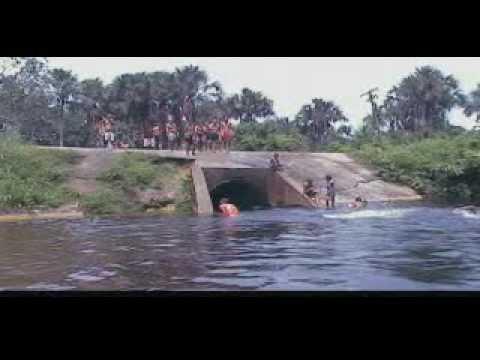 Banho de igarapé em Tracuateua
