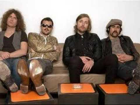 Tekst piosenki The Killers - Ruby, Don't Take Your Love To Town po polsku