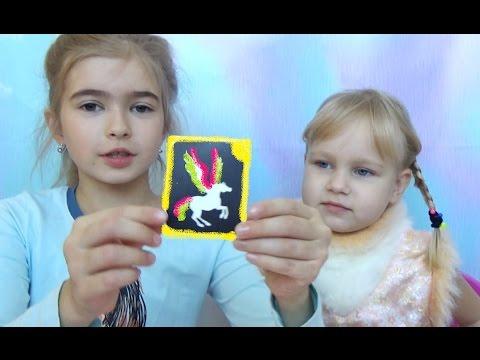 Алиса и Тея делают СВЕРКАЮЩИЕ татуировки для Беби Борн (видео)