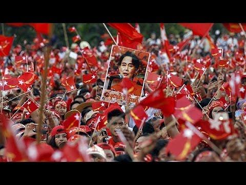 Μιανμάρ: Με το βλέμμα στις κάλπες