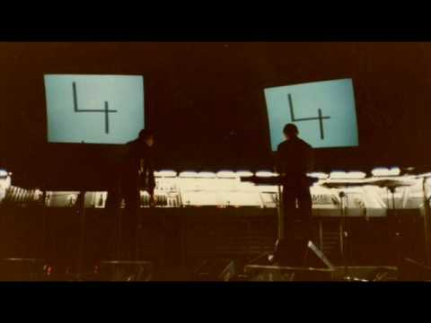 Computerworld - Audio information : Kraftwerk's World Tour 1981 Live at Nagoya Shi Koukai Do, Nagoya, Japan, 13/09/1981.