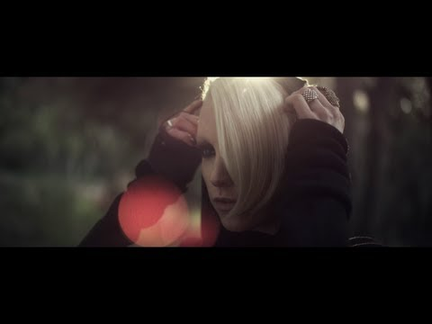 Emma Hewitt – Miss You Paradise