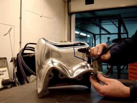 CHROOMWINKEL.NL – reparatie Cadillac 1958 – repair steel bumper Cadillac 1958.wmv
